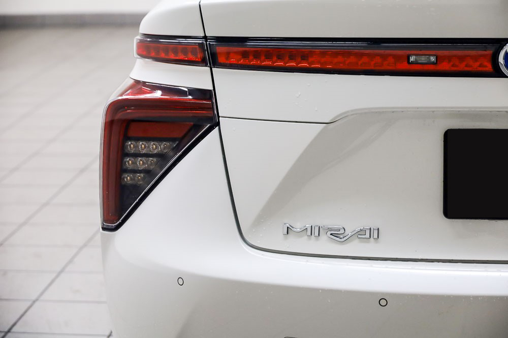 White Low mileage 2016 Toyota Mirai Hydrogen fuel cell vehicle for sale