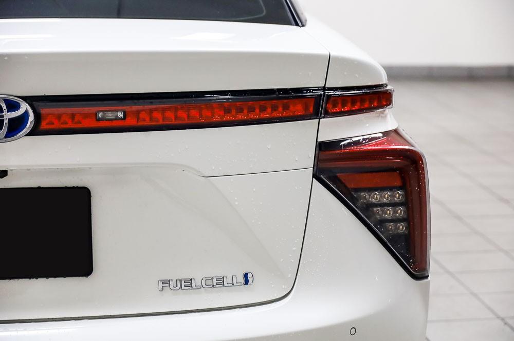 2016 Weiß Toyota Mirai Wasserstoff Brennstoffzelle PKW zu verkaufen Schweiz