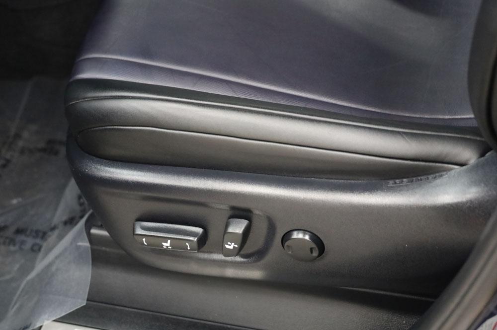 elektro Sitzverstellung im Toyota Mirai Wasserstoff Brennstoffzelle PKW zu verkaufen