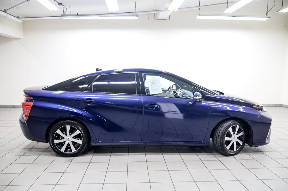 2016 Blau Toyota Mirai Wasserstoff Brennstoffzelle PKW zu verkaufen Deutschland