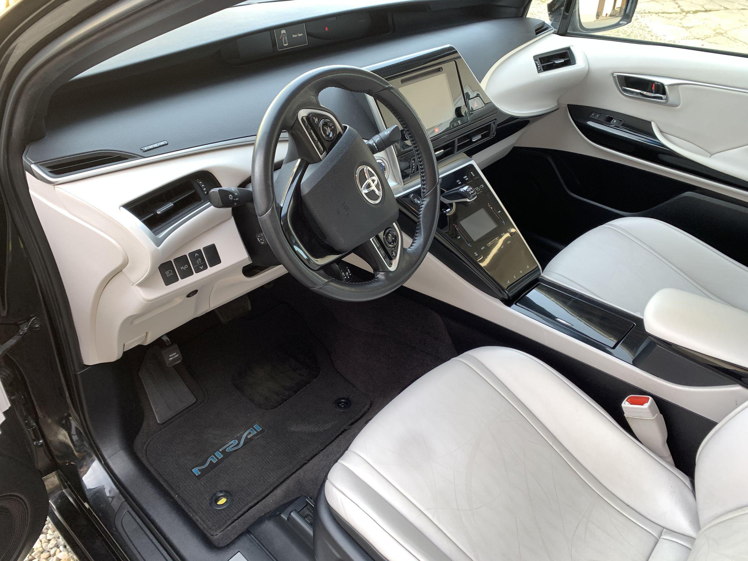 Schwarzer Gebraucht Toyota Mirai Wasserstoff Brennstoffzelle zu verkaufen Deutschland