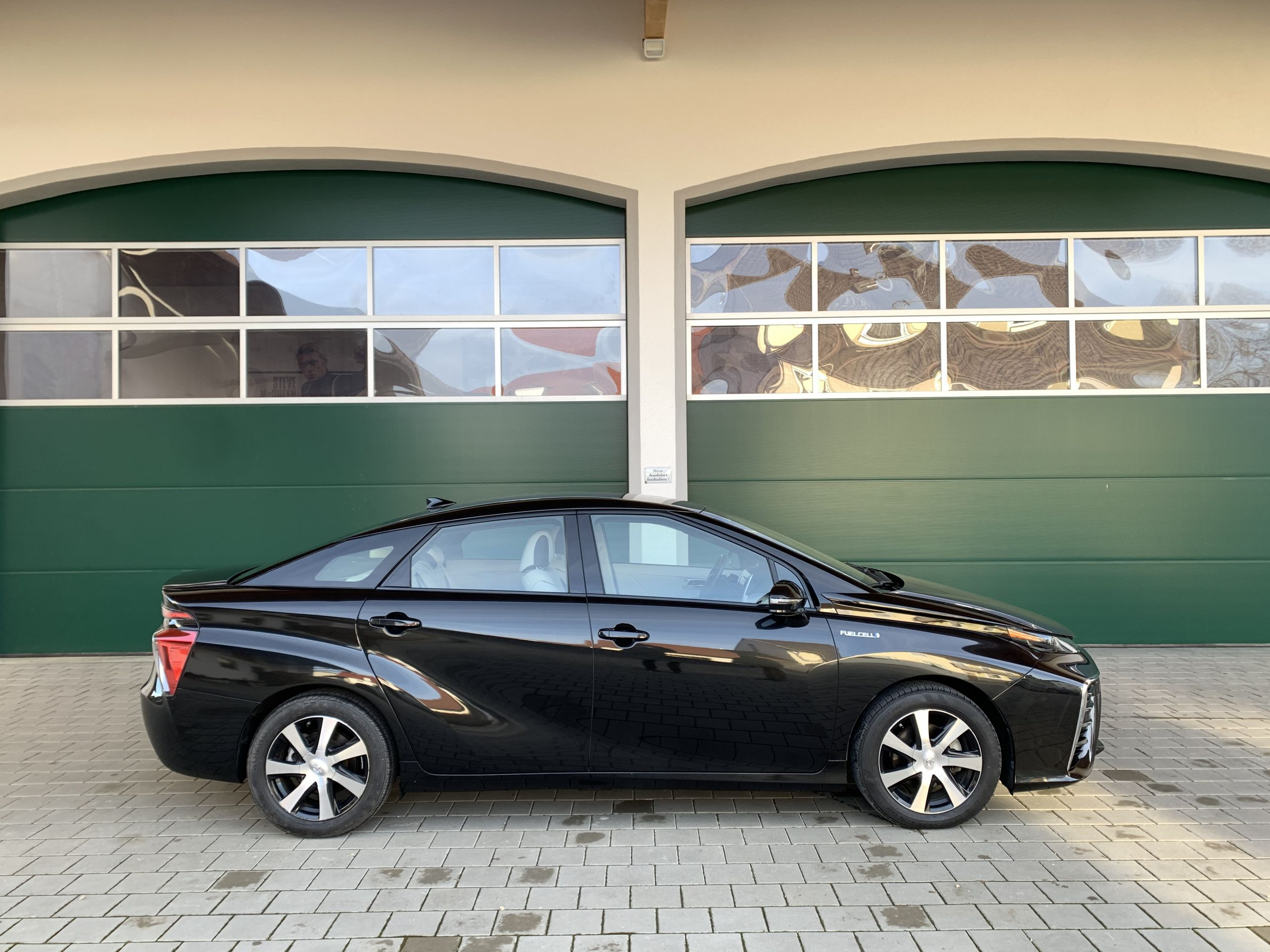 Schwarzer Gebraucht Toyota Mirai Wasserstoff Brennstoffzelle zu verkaufen Deutschland 3