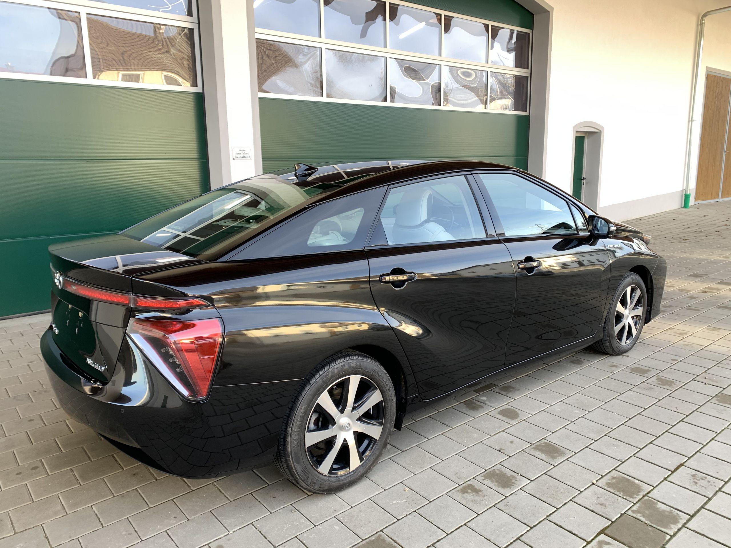 Schwarzer Gebraucht Toyota Mirai Wasserstoff Brennstoffzelle zu verkaufen Deutschland 4