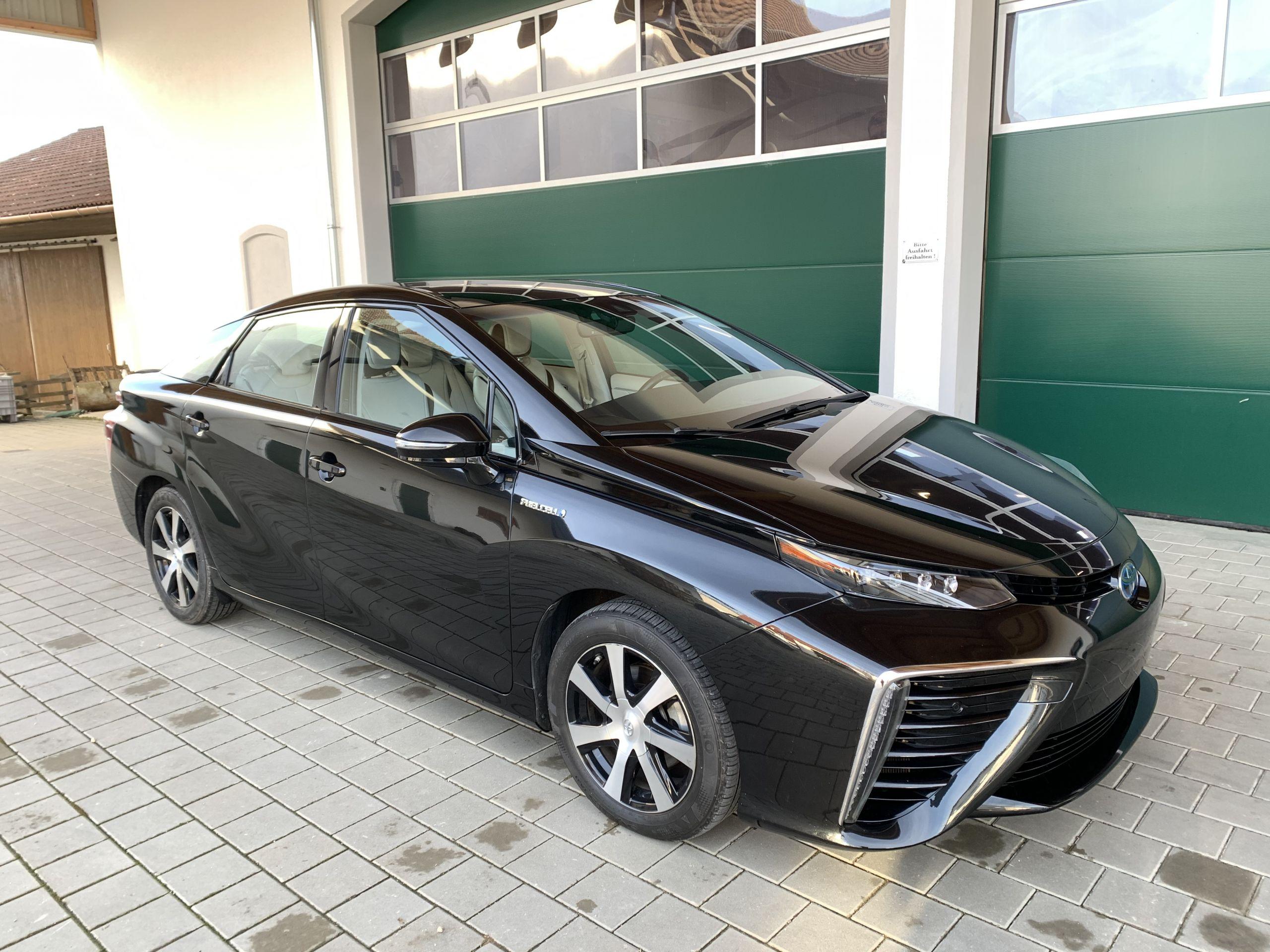 Schwarzer Gebraucht Toyota Mirai Wasserstoff Brennstoffzelle zu verkaufen Deutschland 5