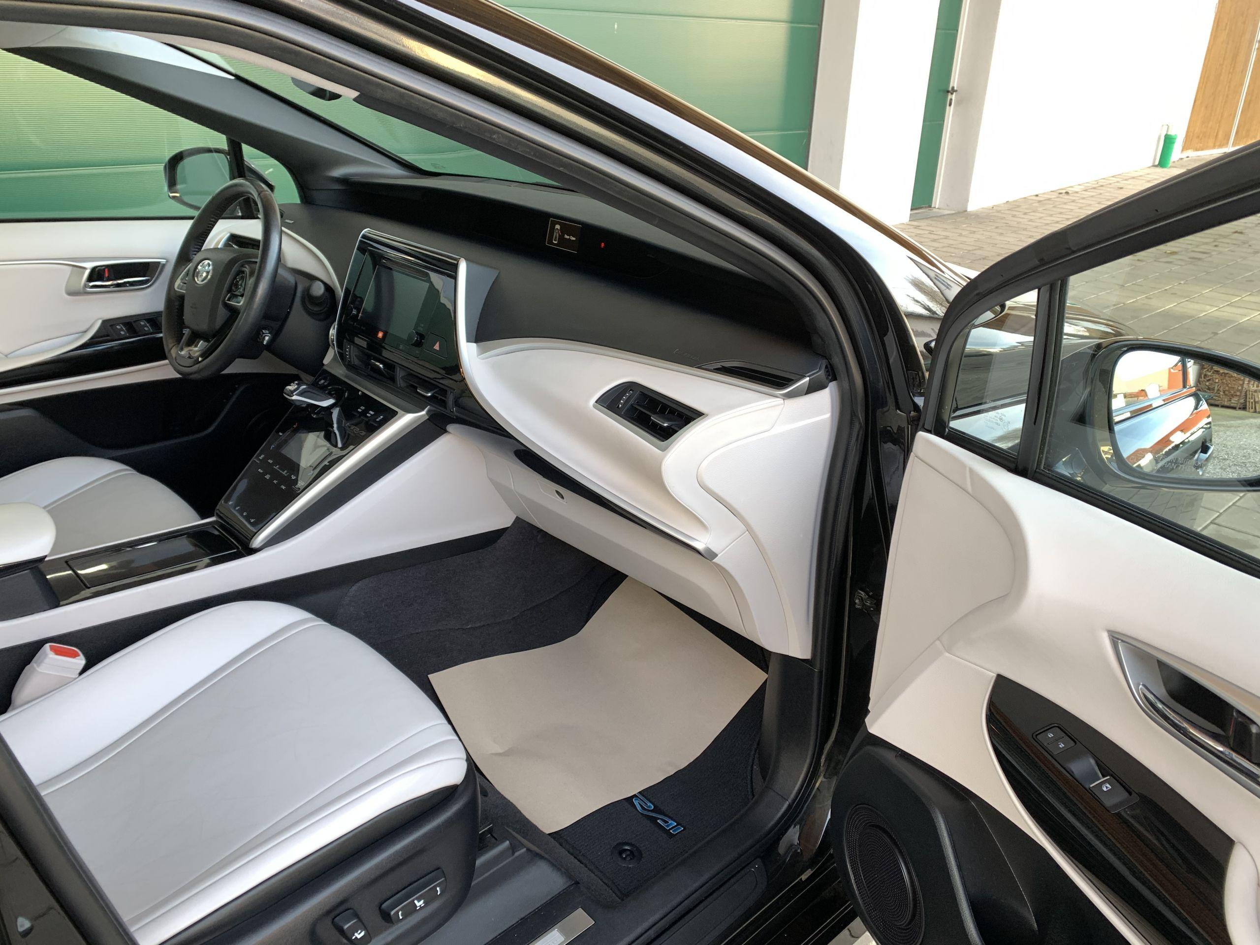 Schwarzer Gebraucht Toyota Mirai Wasserstoff Brennstoffzelle zu verkaufen Deutschland 14