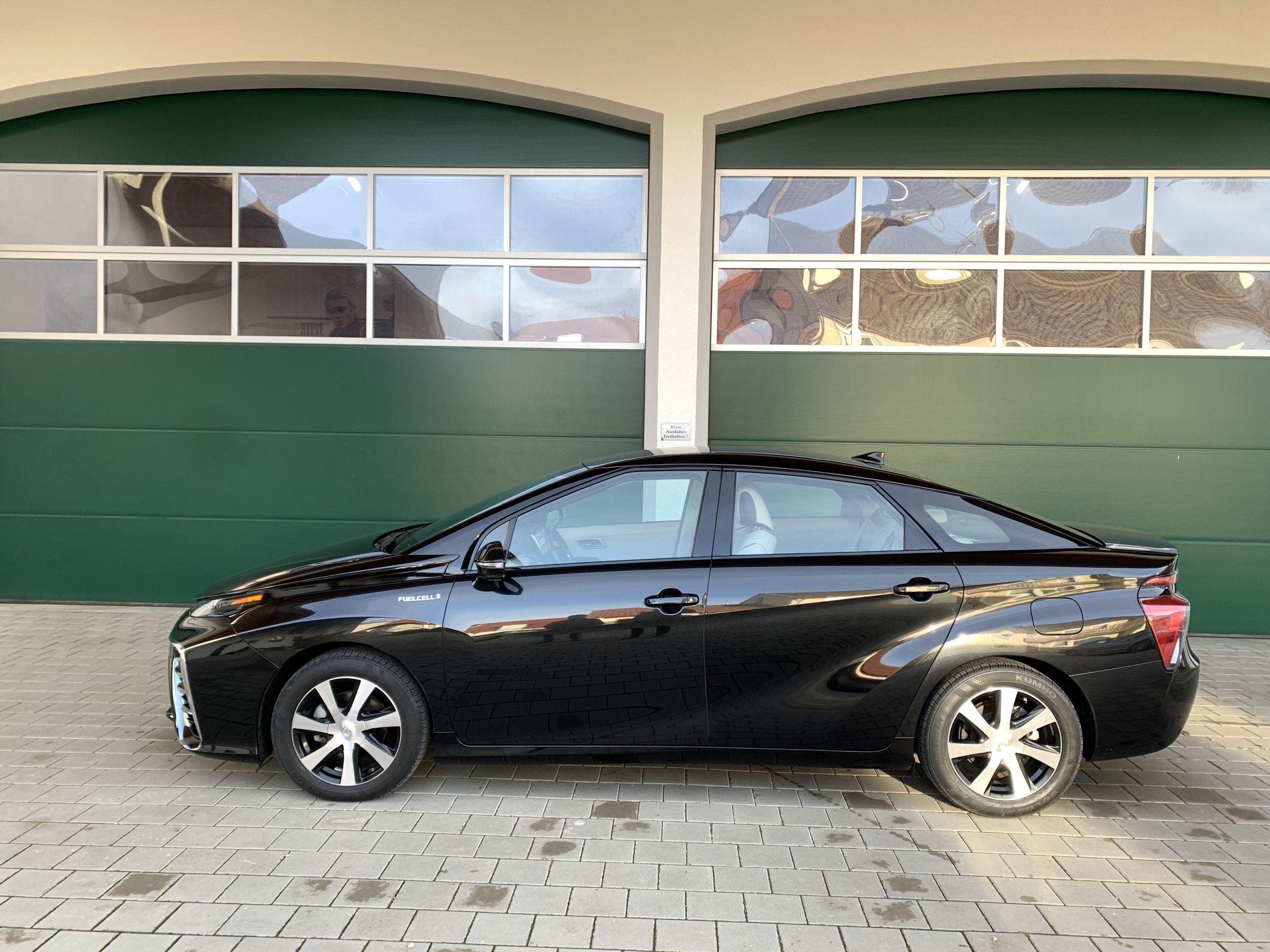 Schwarzer Gebraucht Toyota Mirai Wasserstoff Brennstoffzelle zu verkaufen Deutschland 15