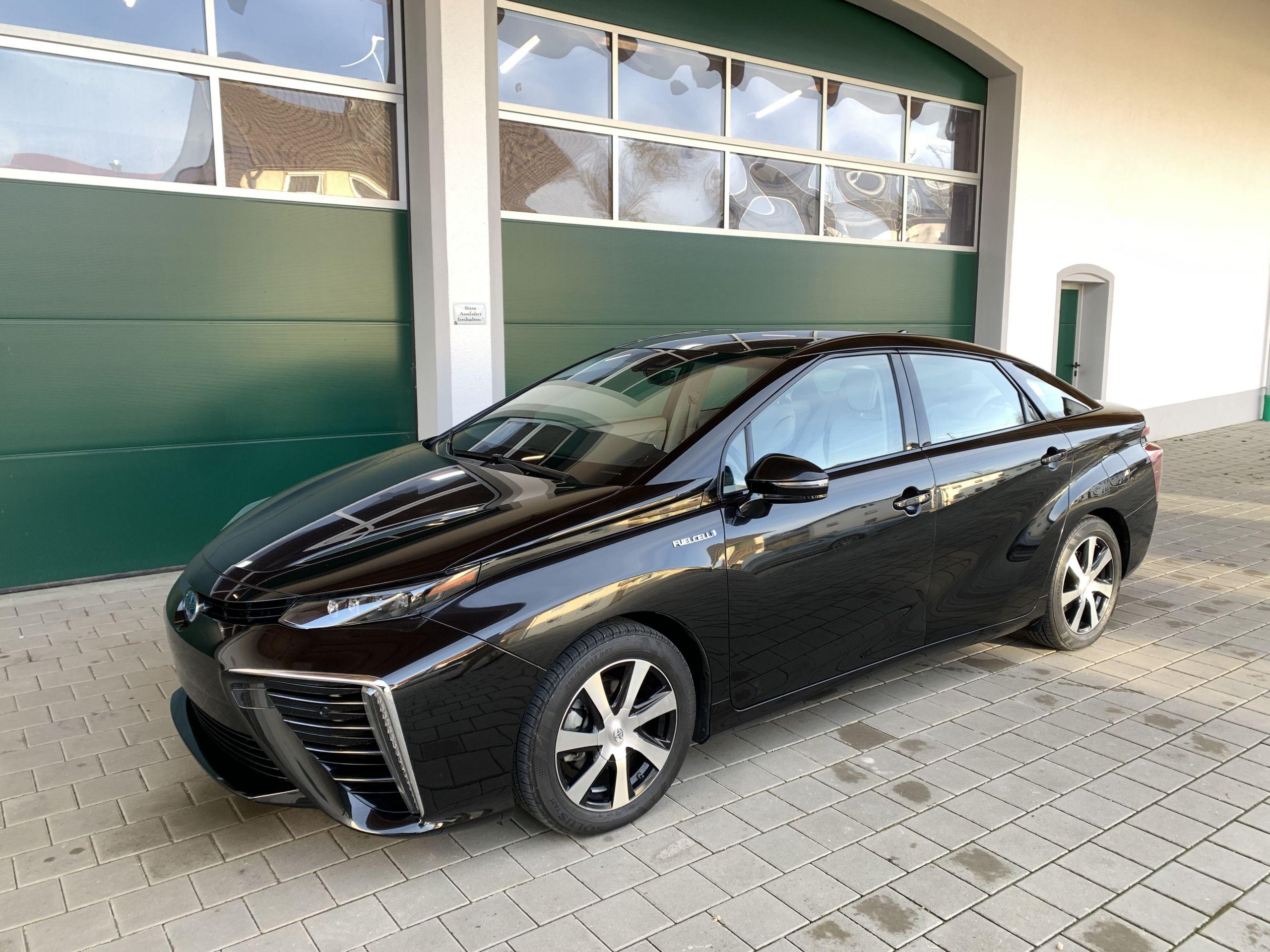 Schwarzer Gebraucht Toyota Mirai Wasserstoff Brennstoffzelle zu verkaufen Deutschland 17