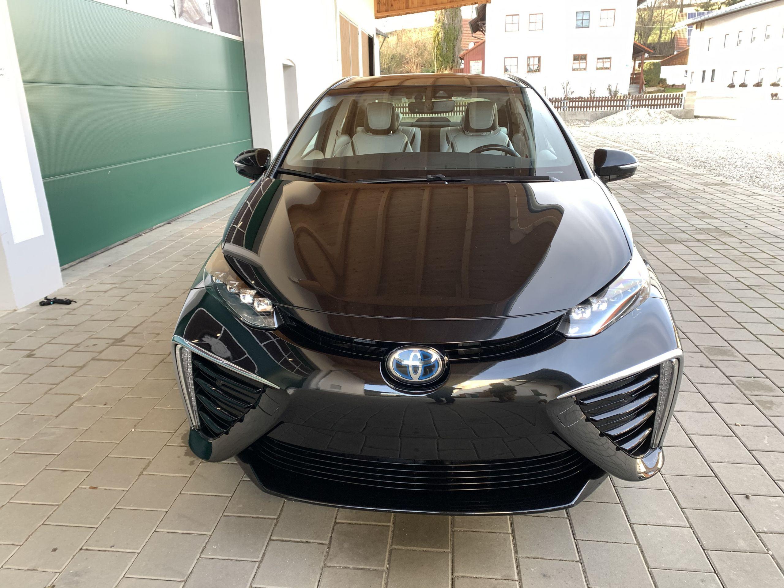 Schwarzer Gebraucht Toyota Mirai Wasserstoff Brennstoffzelle zu verkaufen Deutschland 19
