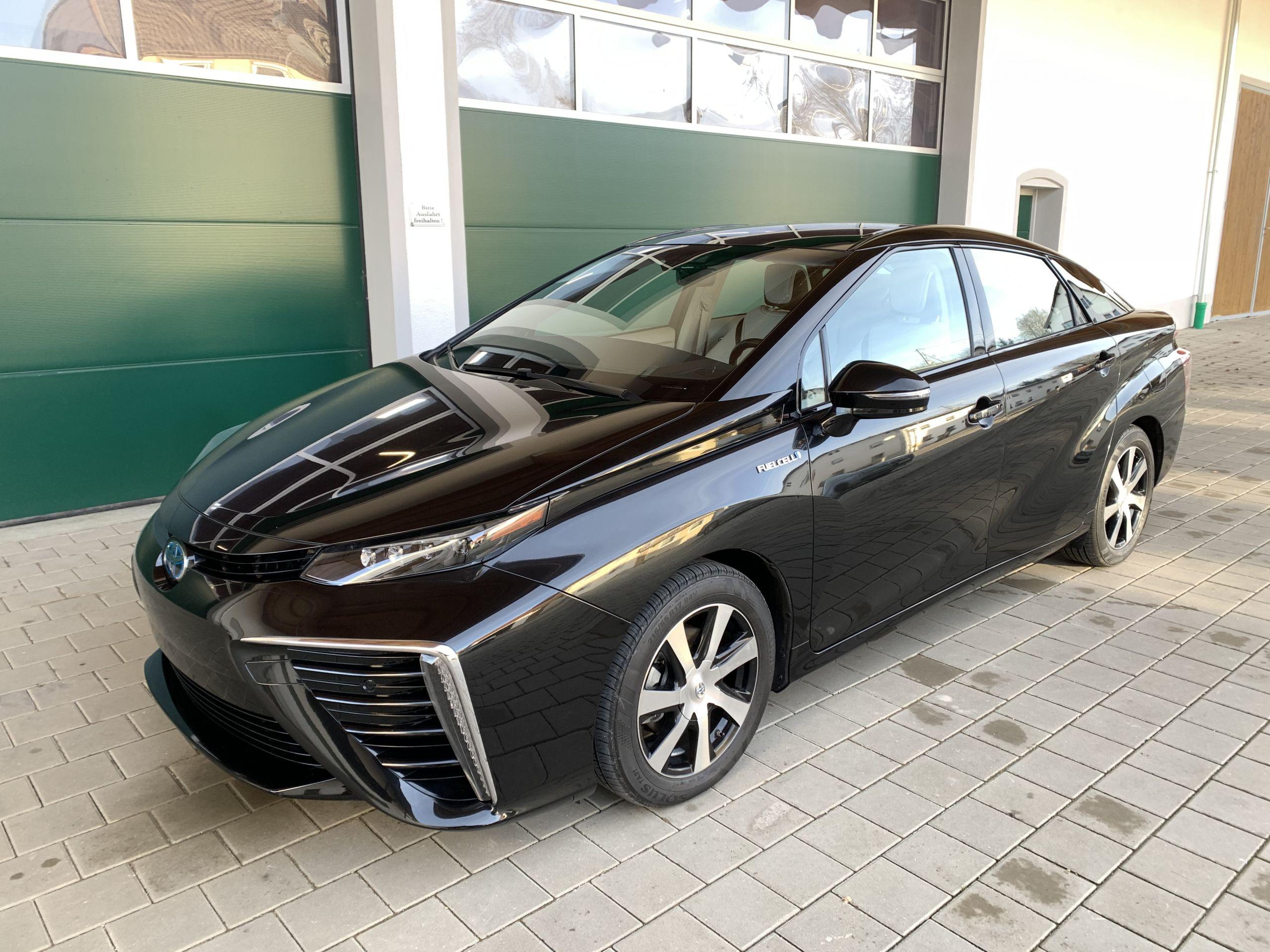 Schwarzer Gebraucht Toyota Mirai Wasserstoff Brennstoffzelle zu verkaufen Deutschland 9