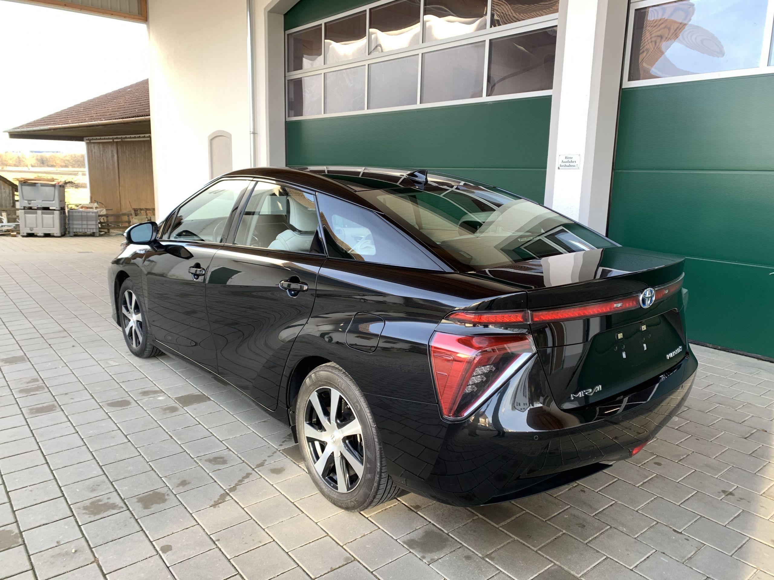 Schwarzer Gebraucht Toyota Mirai Wasserstoff Brennstoffzelle zu verkaufen Deutschland 10