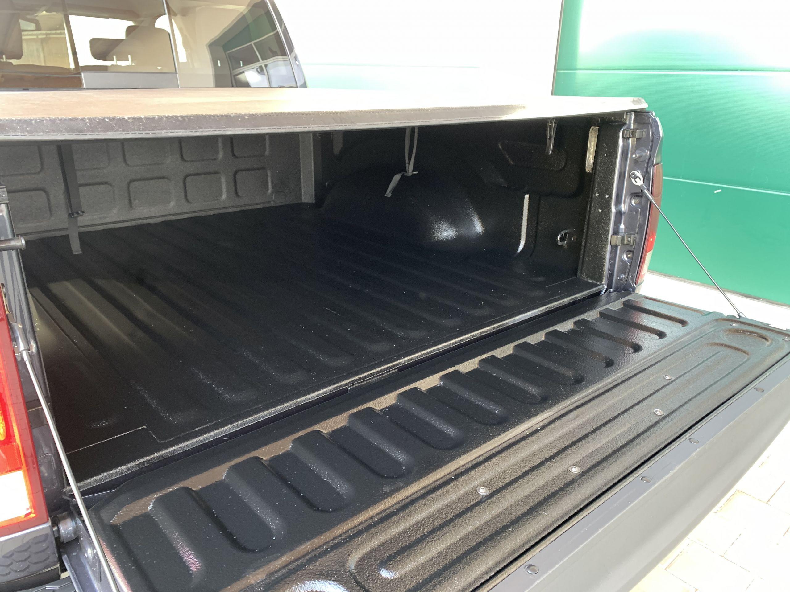 Dodge Ram 1500 Crew Cab SLT BIG HORN zu Verkaufen deutschland