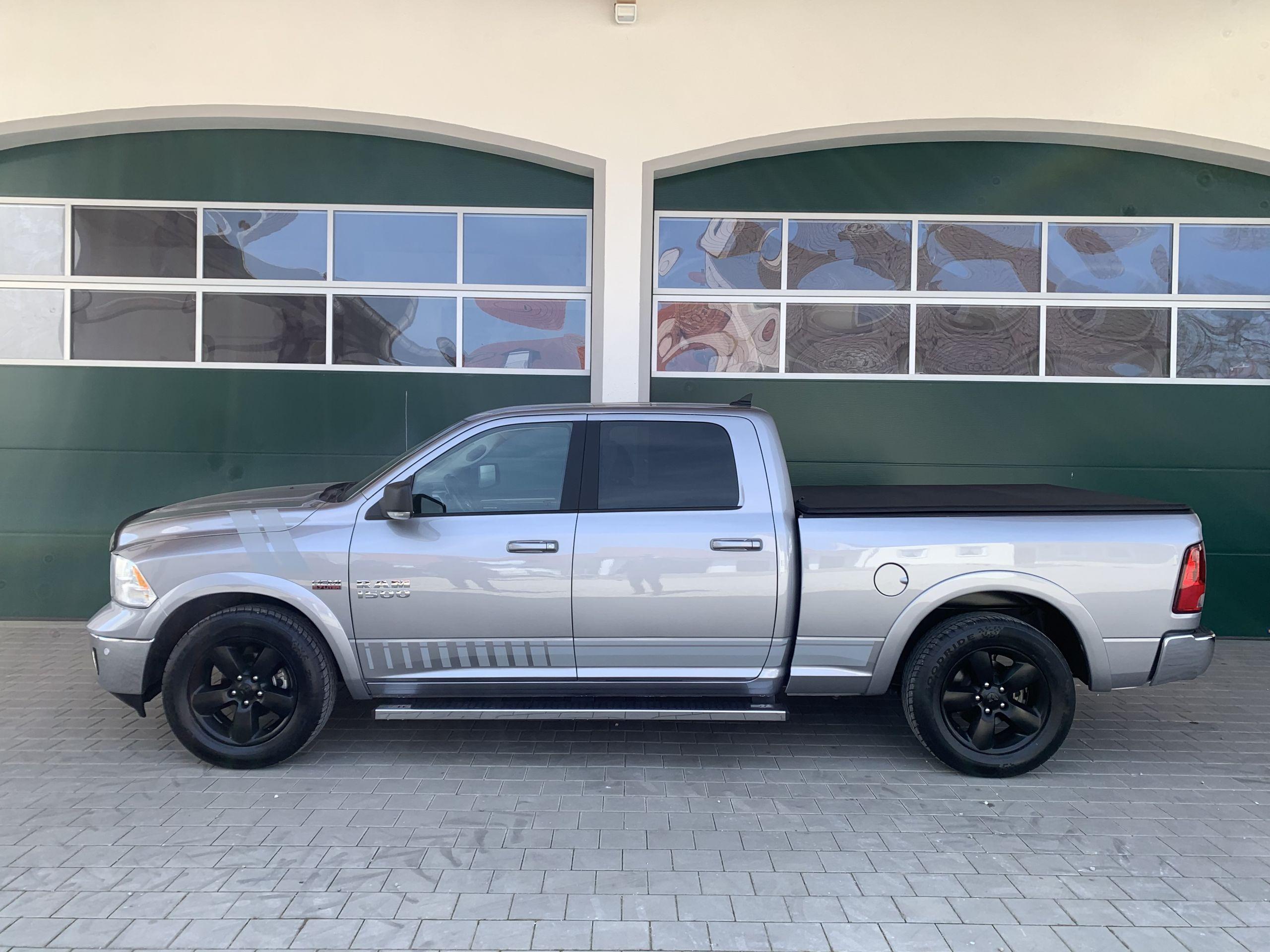 Dodge Ram 1500 SLT mit dem 5,7 Hemi V8 , RWD CREW Cab mit langem Bett und Lederaustattung zu Kaufen Osterreich