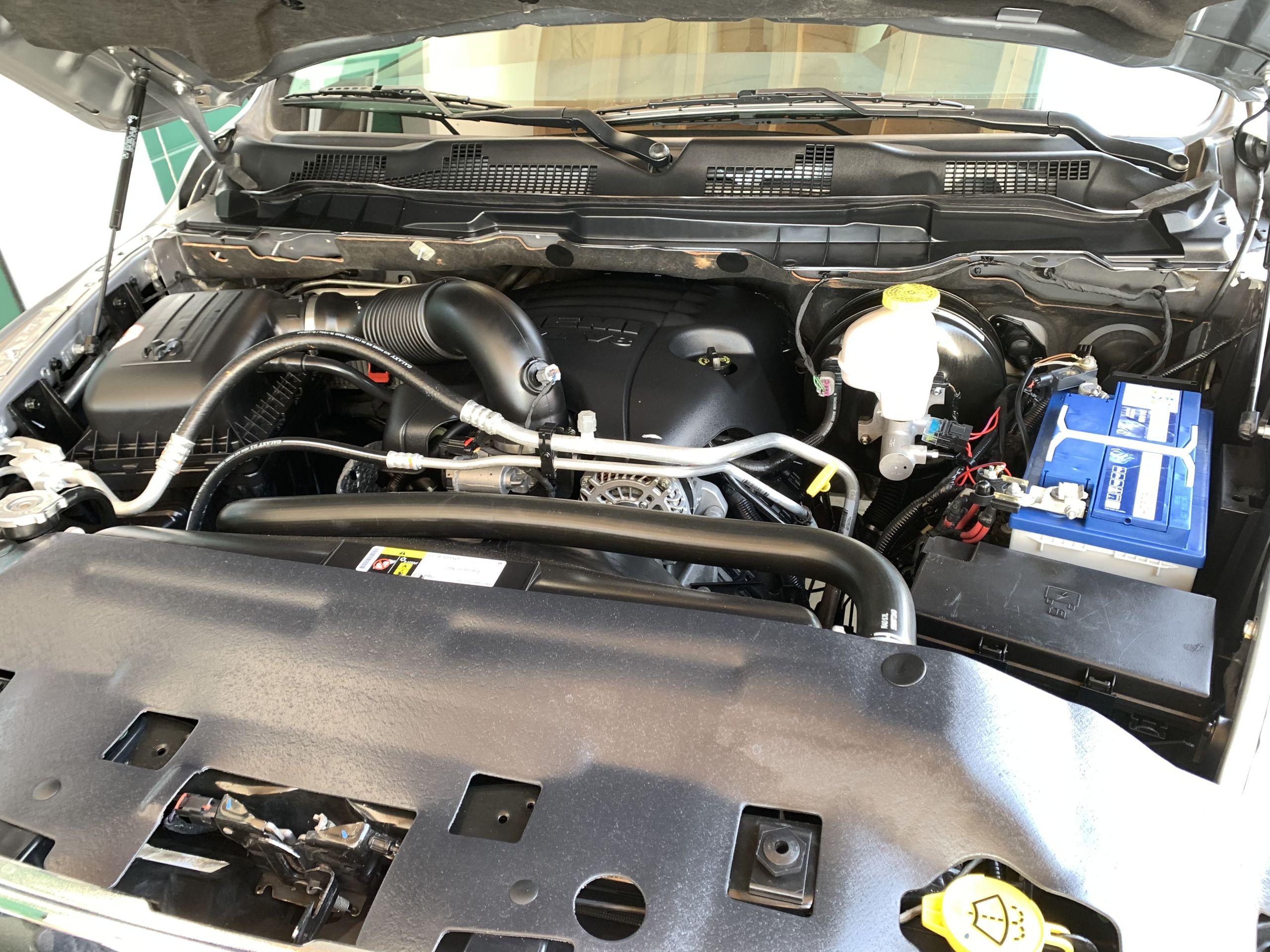 Gebraucht 2019 Silber Dodge Ram SLT 1500 zu Verkaufen deutschland
