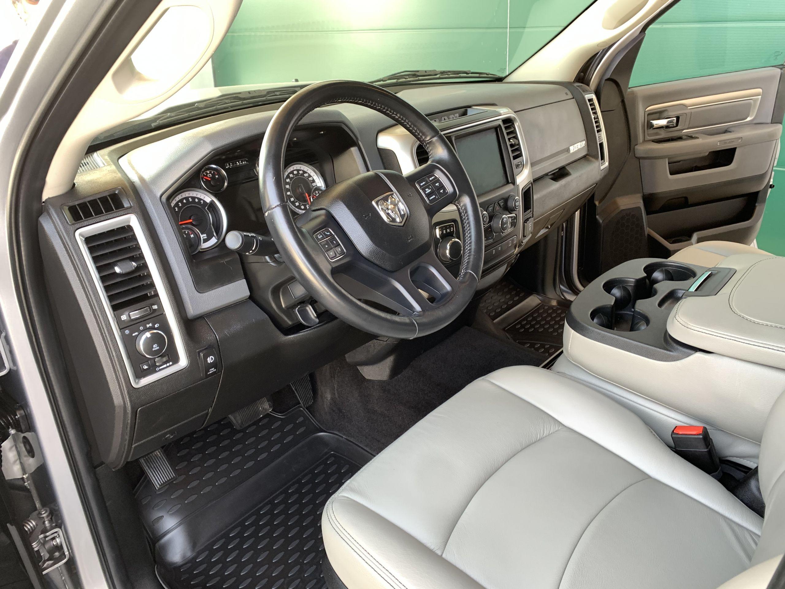 Dodge Ram 1500 SLT BIG HORN Crew Cab zu Verkaufen Schweiz