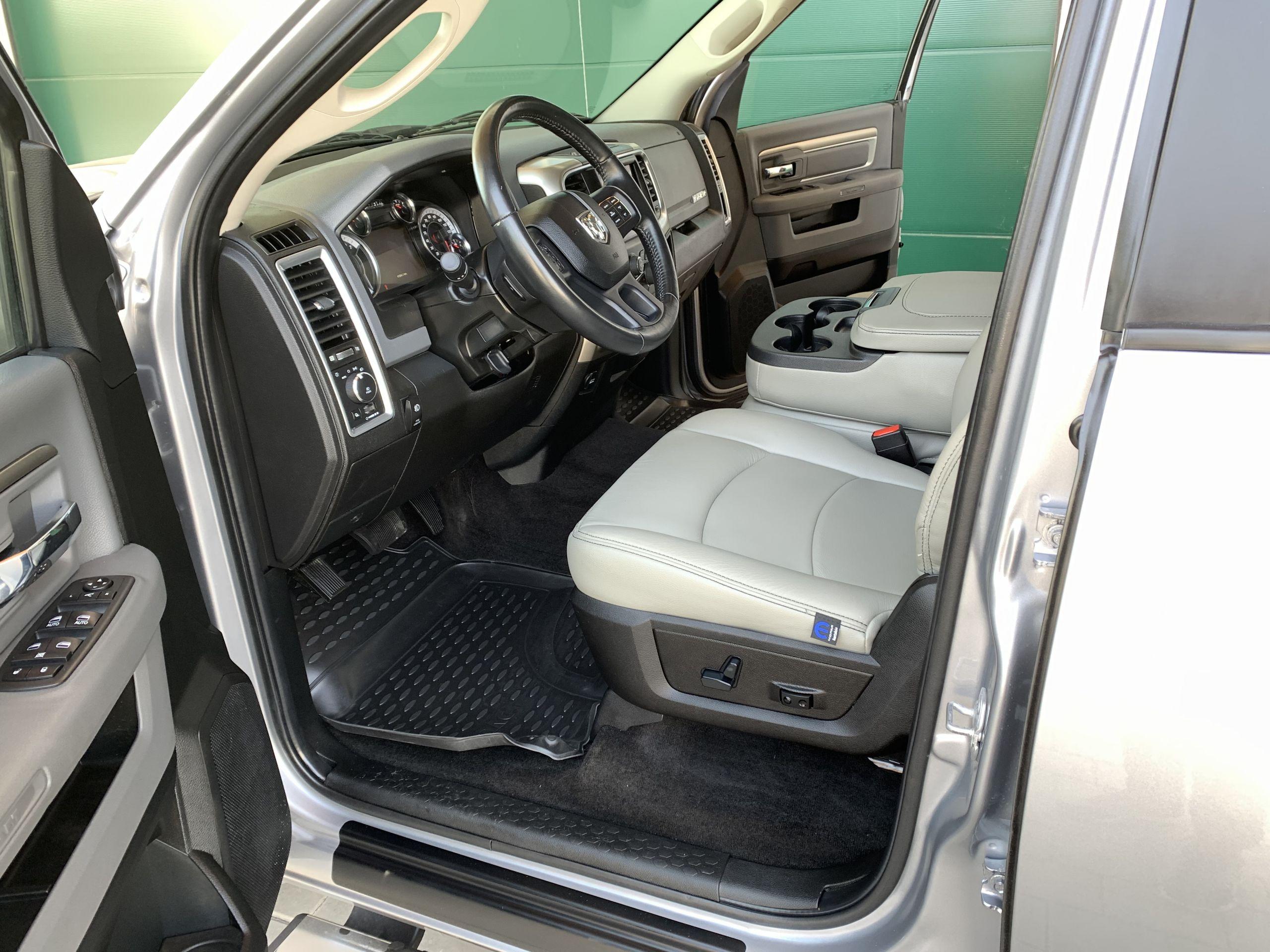 Gebraucht 2019 Silber Dodge Ram SLT 1500 zu Verkaufen