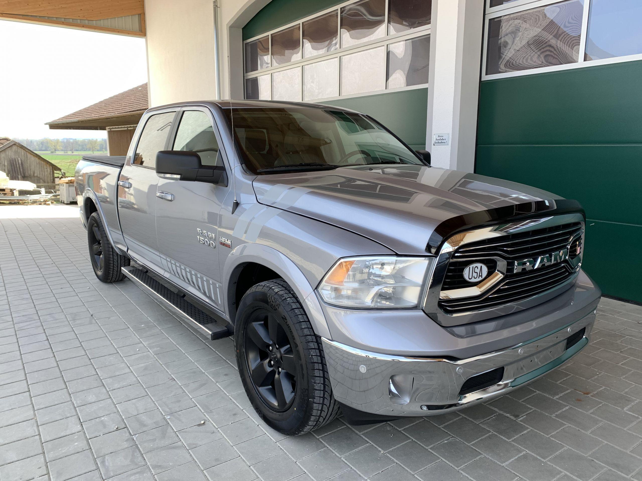 Gebraucht 2019 Silber Dodge Ram SLT 1500 zu Verkaufen Osterreich