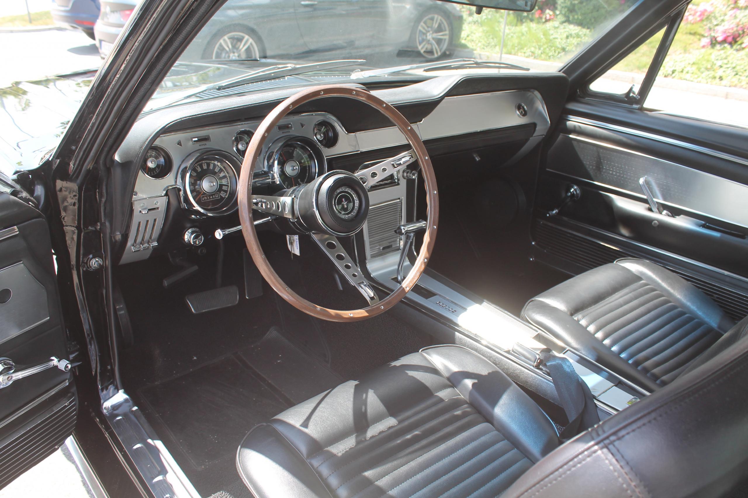 Deluxe Innenraum fastback Bavariasportscars 67 Mustang